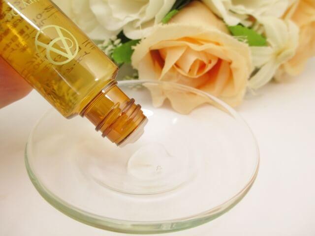 アンプルールデエイジ化粧水のテクスチャー
