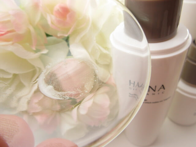 HANAオーガニック化粧水のテクスチャー
