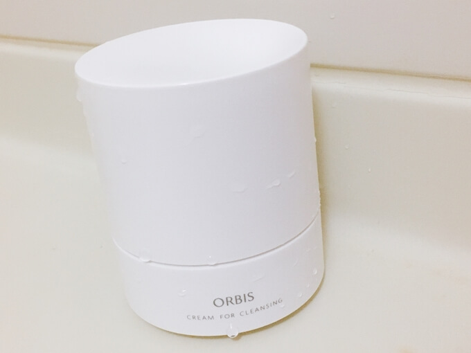 オルビスオフクリームをお風呂場に置いた写真