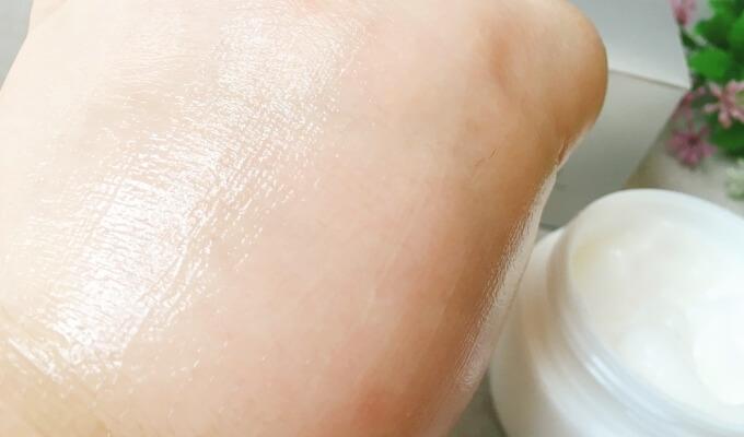 パーフェクトワン薬用ホワイトニングジェルの肌なじみ