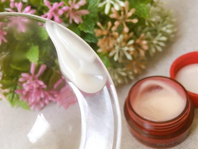 アヤナス保湿クリーム「クリームコンセントレート」の香り
