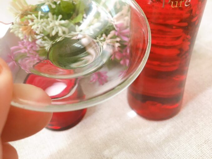 ナールスピュア化粧水のテクスチャー
