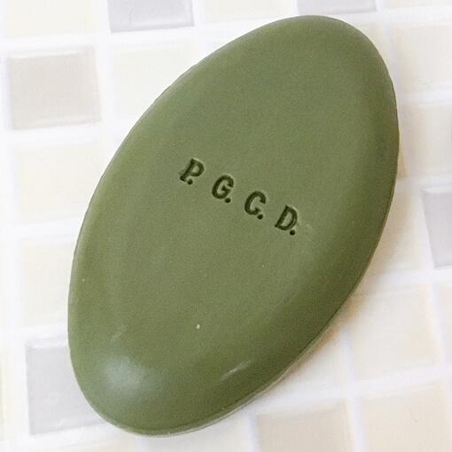 PGCD洗顔石鹸夜用の緑の石鹸「サボンフォンセ」の質感や香り