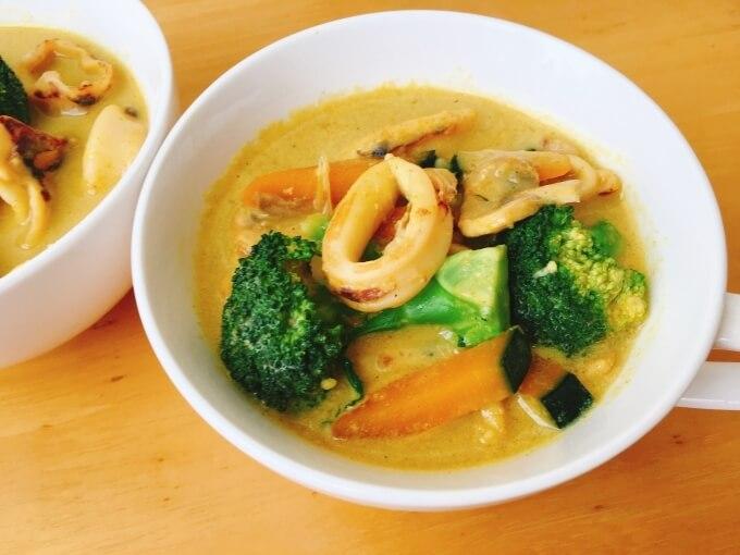 ベジたんスープ50の乾燥ケアに良いイカとかぼちゃの豆乳カレースープ