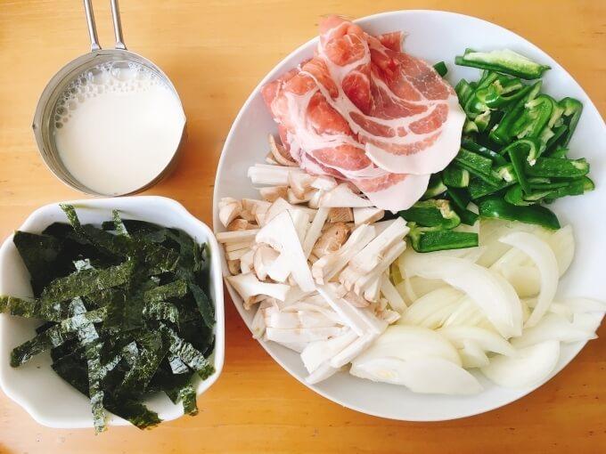 ベジたんスープ50の毛穴ケアに良い豚肉と海苔の酒粕豆乳スープの材料